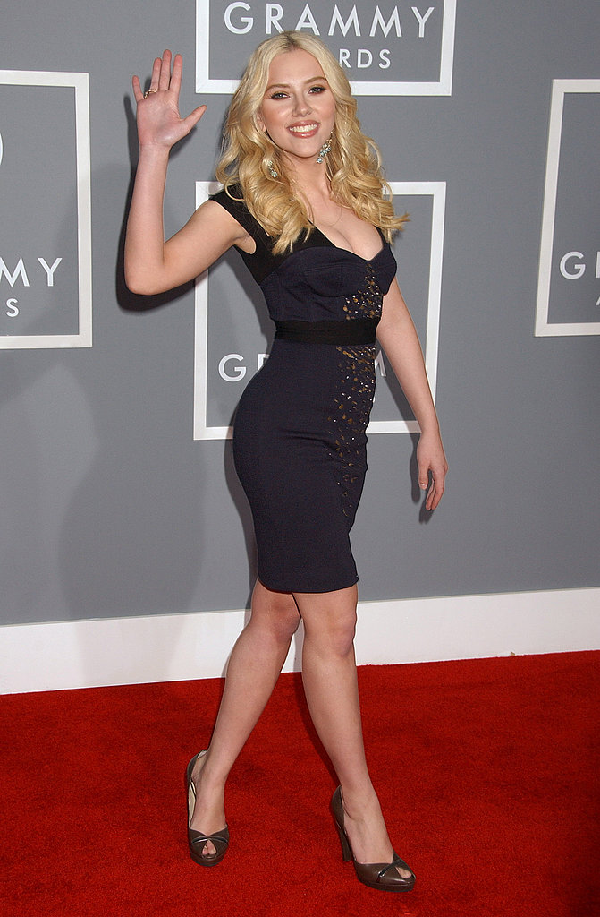 Scarlett Johansson sent out a wave in a curve-hugging dress at the Grammys in 2007.