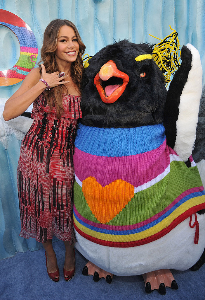 Sofia Vergara posed with a penguin on the red carpet.