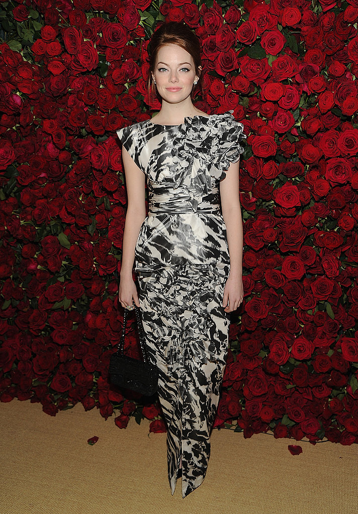 Emma Stone wore a voluminous dress.