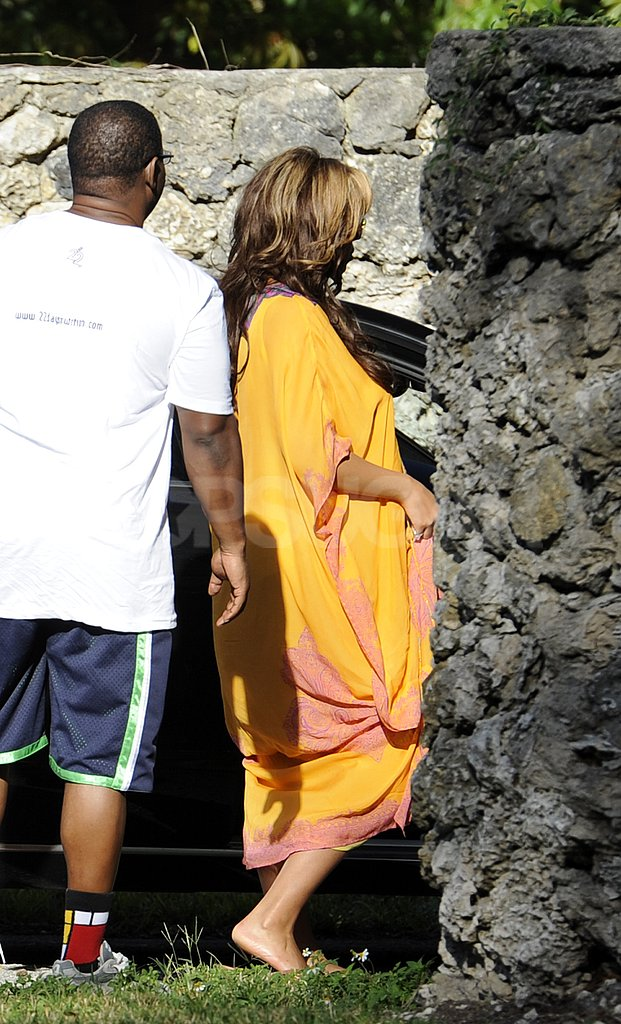 Beyoncé Knowles went for an easy look while visiting Miami.