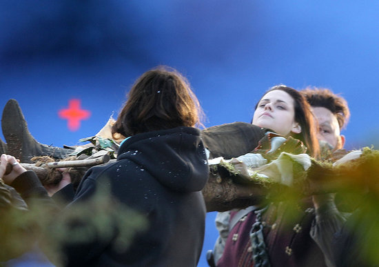 Kristen Stewart Lies Down For a Dramatic Snow White Scene