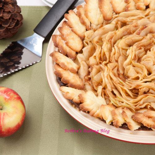 Christmas Almond Apple Pie, The Holiday Season is has Began