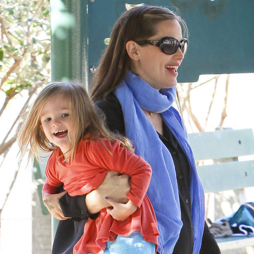Jennifer Garner Cute Park Pictures With Seraphina