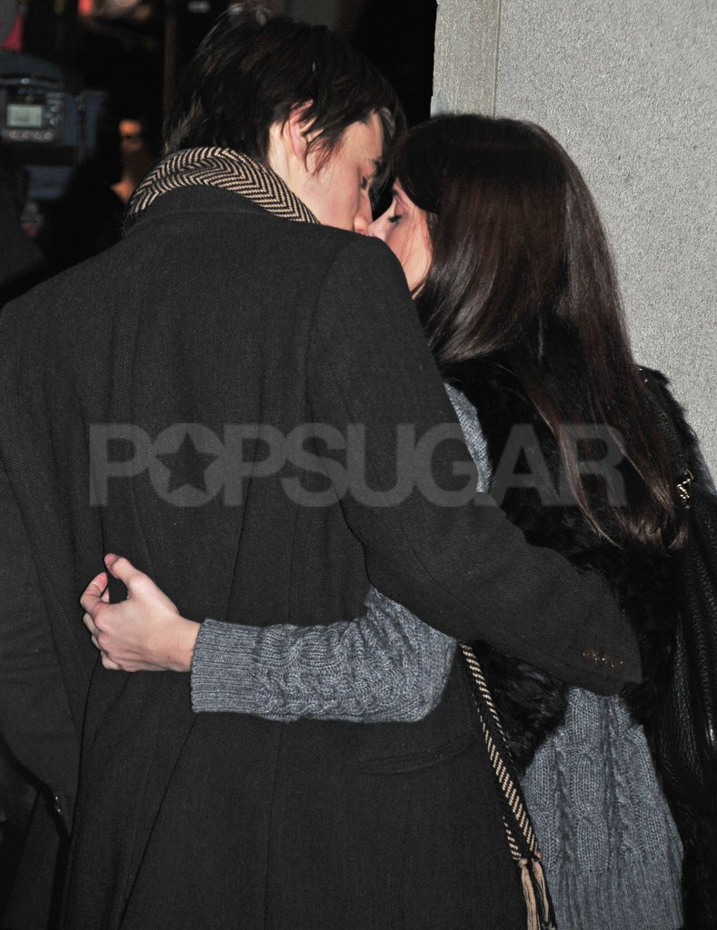 Ashley Greene and Reeve Carney had a major PDA moment at Rockefeller Center.