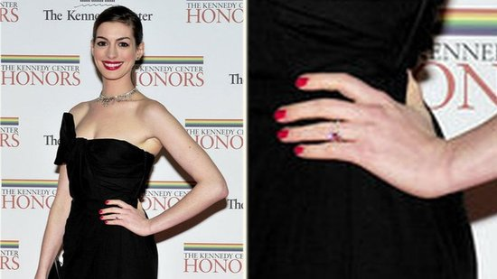 Video: Anne Hathaway Shows Off Engagement Ring Alongside Obama at Kennedy Center Honors