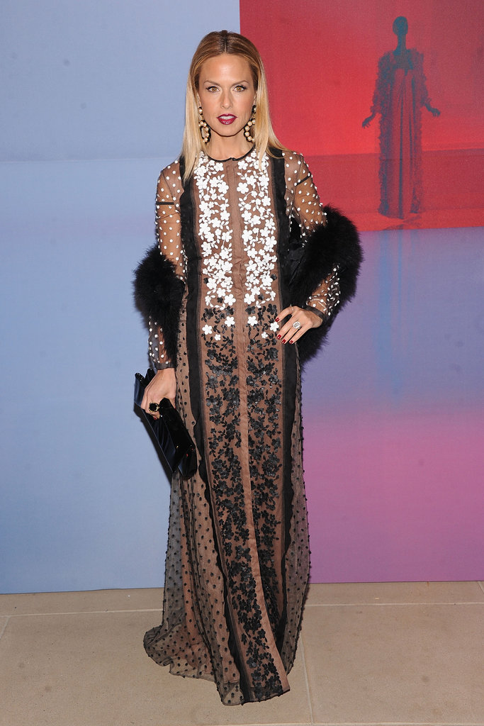 Rachel Zoe dropped her fur stole to her waist.