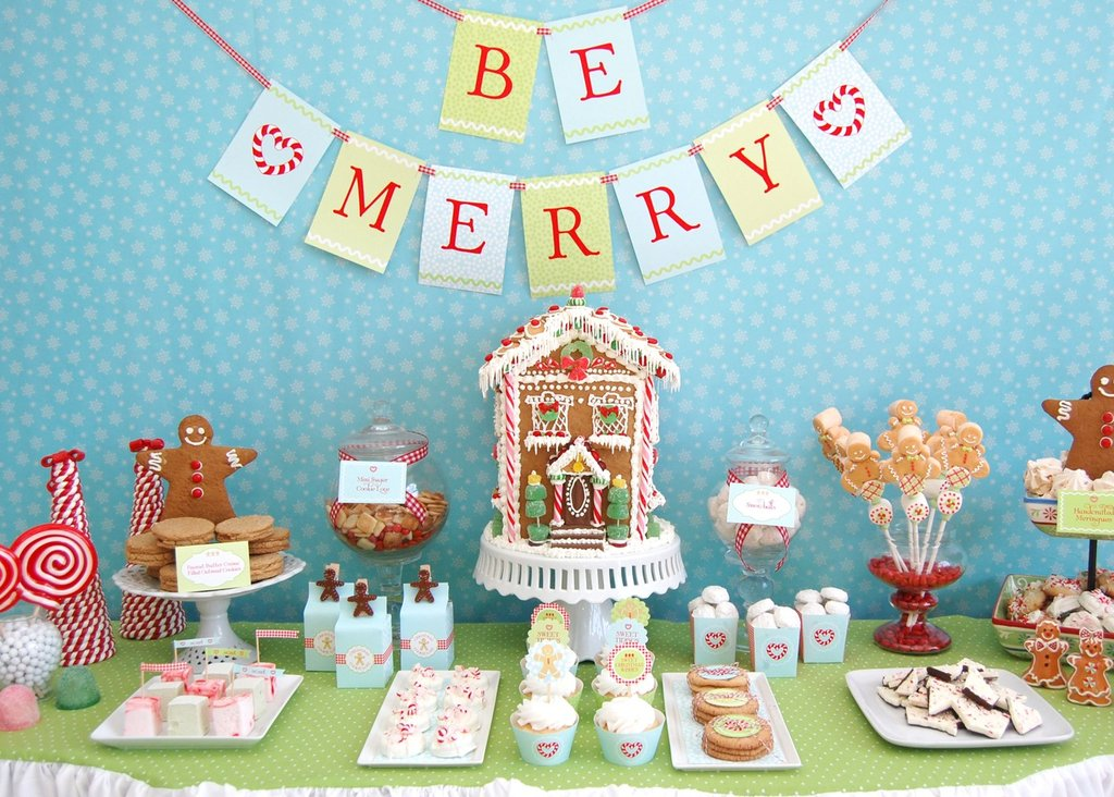 Gingerbread Christmas Cookie Dessert Table