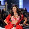Pictures of Hair, Makeup and Beauty from the 2011 Victoria's Secret Runway Show with Miranda Kerr, Adriana Lima & More!