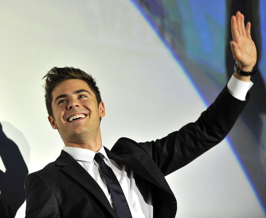 Zac suited up for a Tokyo screening of New Year's Eve.