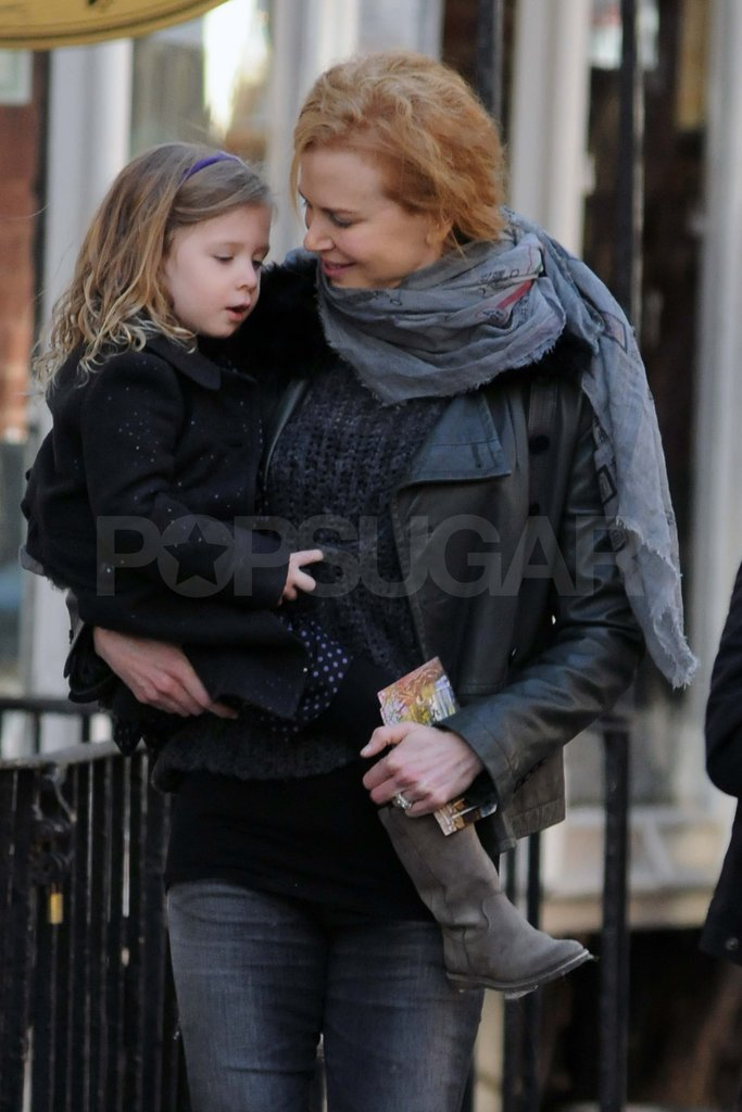 Nicole Kidman carrying Sunday.