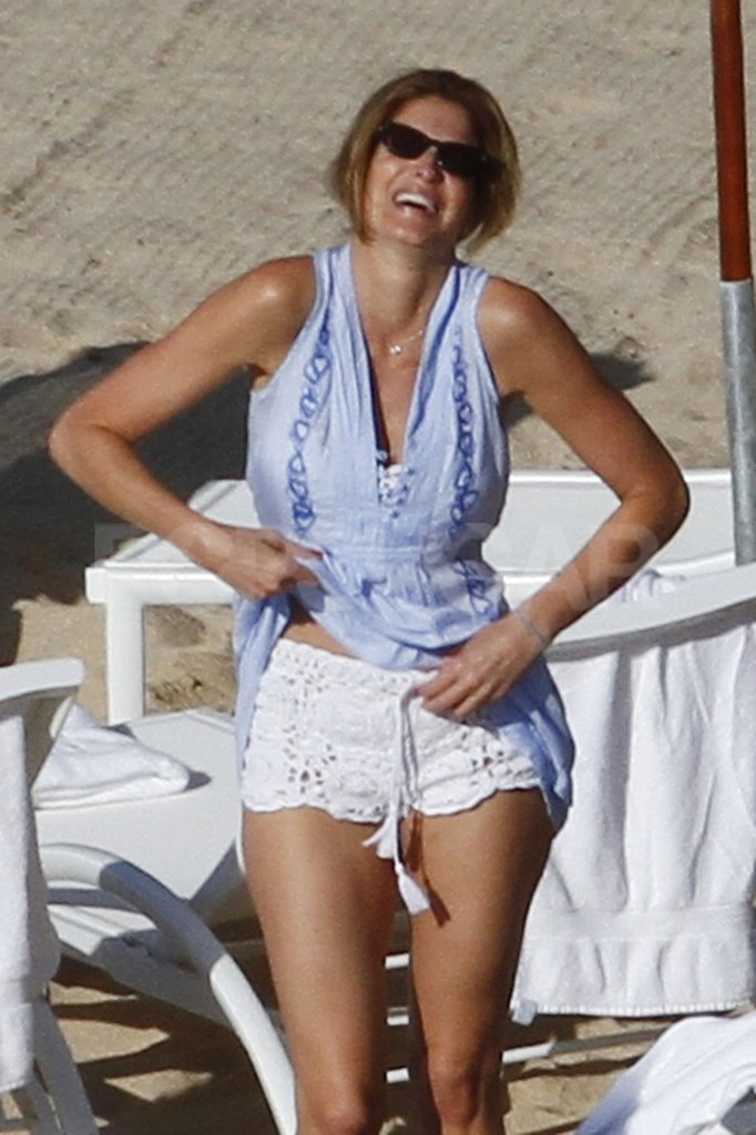 Stephanie Seymour wore adorable eyelet shorts to the beach.
