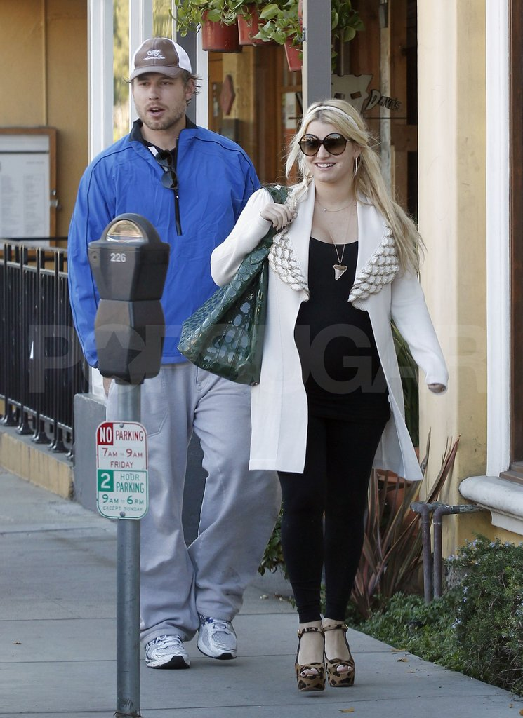 Jessica Simpson and her fiance, Eric Johnson, had lunch in LA.