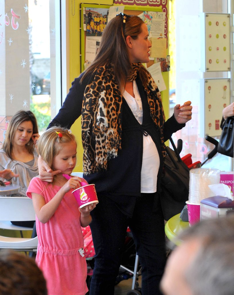 Jennifer Garner brushed back Violet's hair.