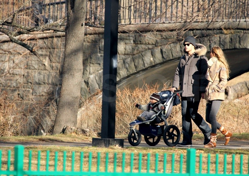 Gisele and Tom walked around Boston with Benjamin.