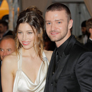 Justin Timberlake and Jessica Biel Make Things Official - They're Engaged!