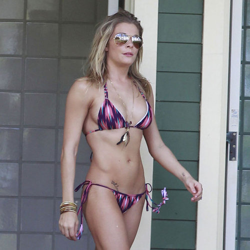 LeAnn Rimes Wearing Tiny Bikini in Hawaii Pictures
