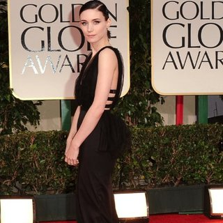Rooney Mara Pictures at Golden Globes 2012