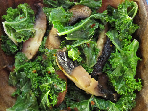 Spicy Mushrooms & Kale