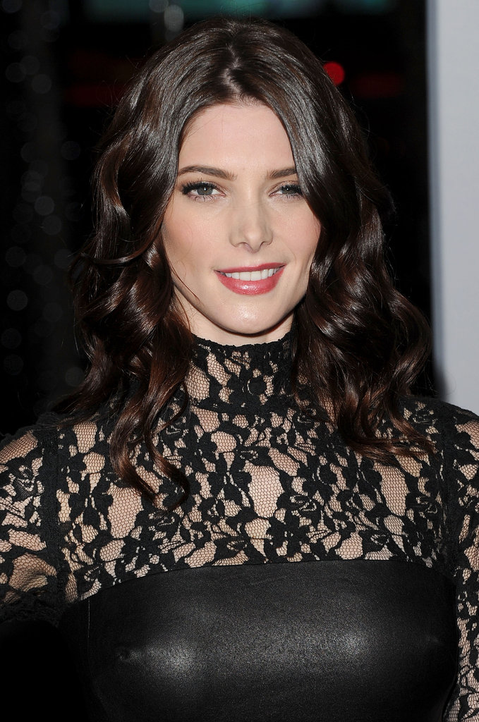 Ashley Greene rocked leather and lace at the 2012 People's Choice Awards.