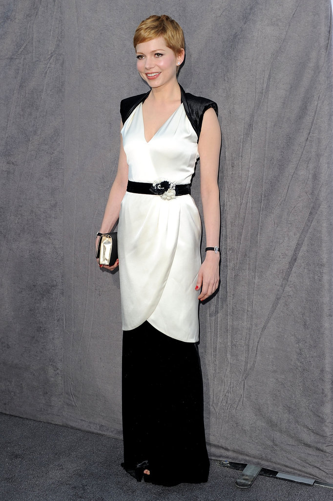 Michelle Williams belted her Chanel dress at the 2012 Critics' Choice Movie Awards.