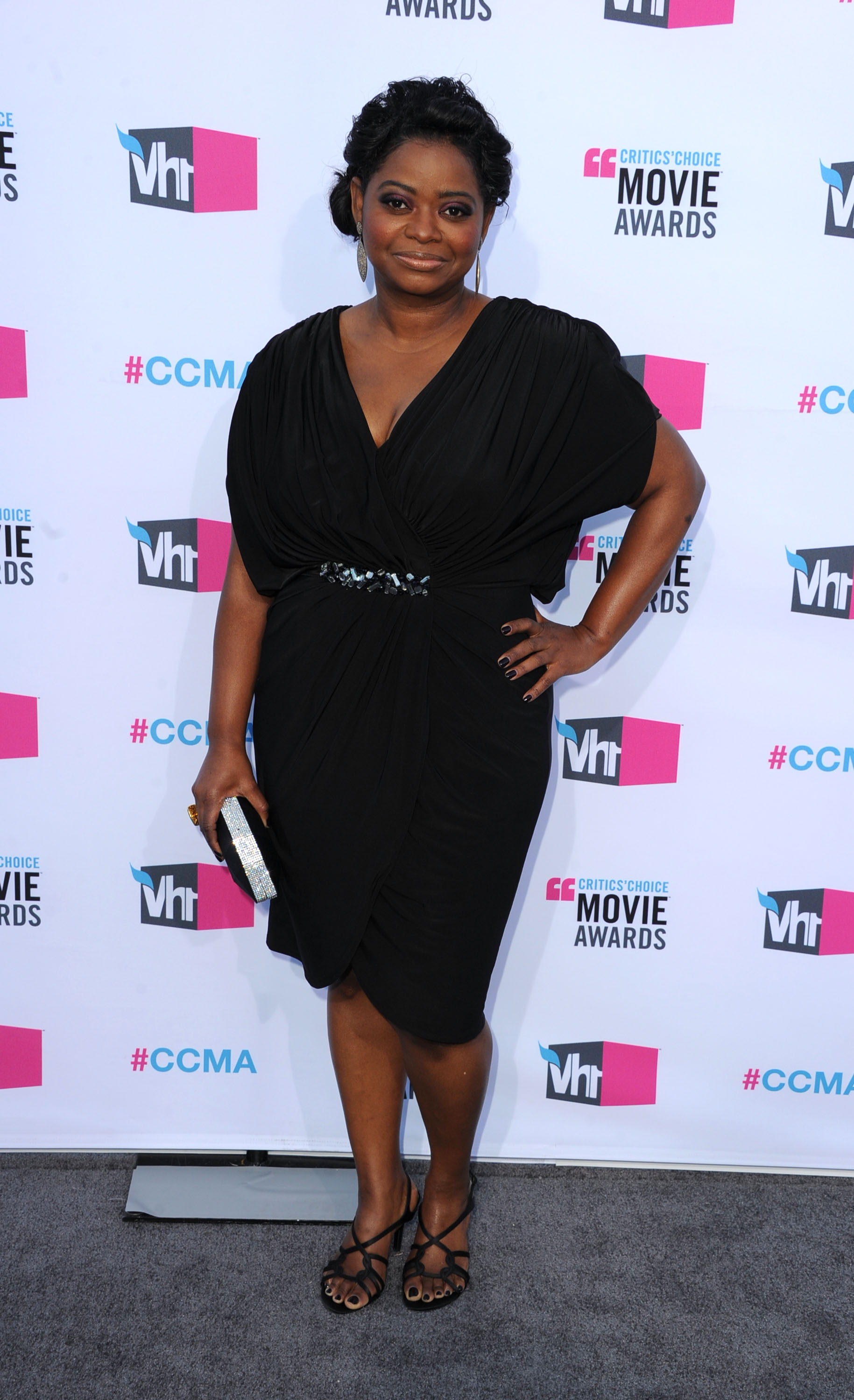 Octavia Spencer smiled on the grey carpet at the 2012 Critics' Choice Movie Awards.