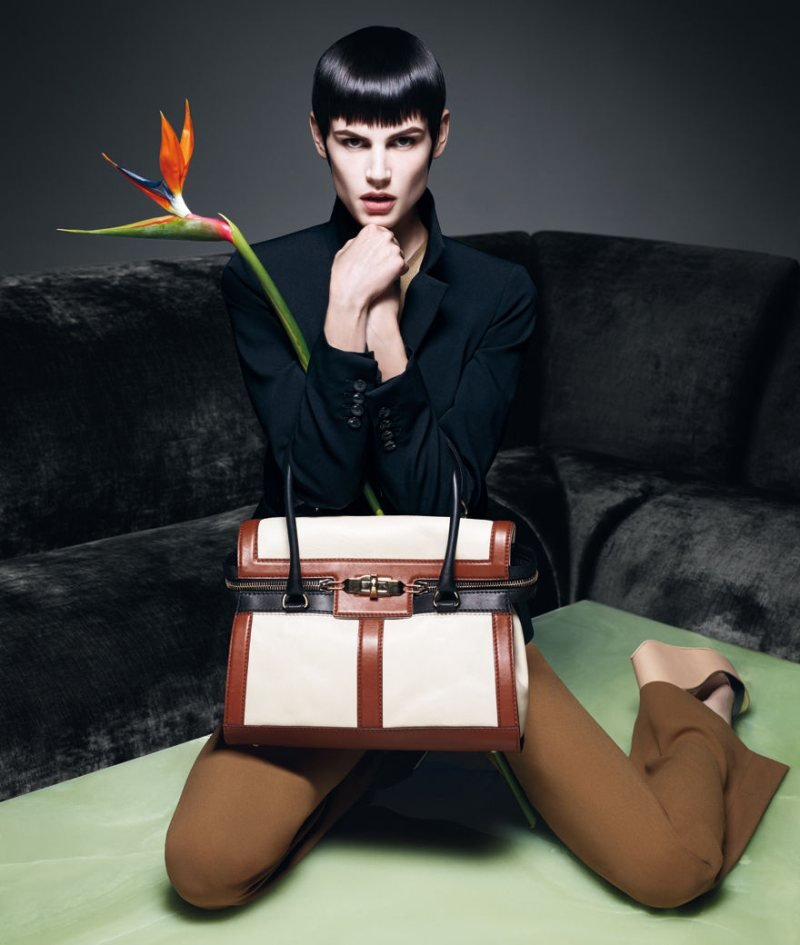We adore this structured Max Mara tote. Source: Fashion Gone Rogue
