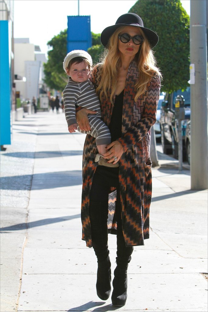 Skyler joined Rachel for a stroll down Robertson Blvd. in LA.