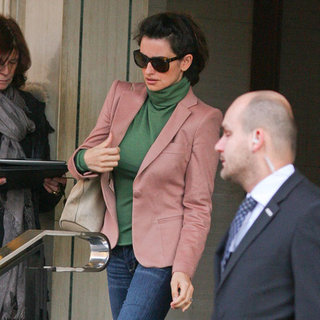 Penelope Cruz Pictures Leaving London's Berkeley Hotel