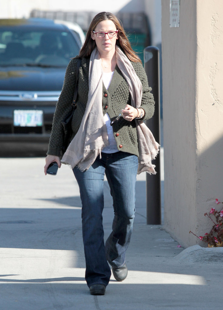 Jennifer Garner left a salon in LA.