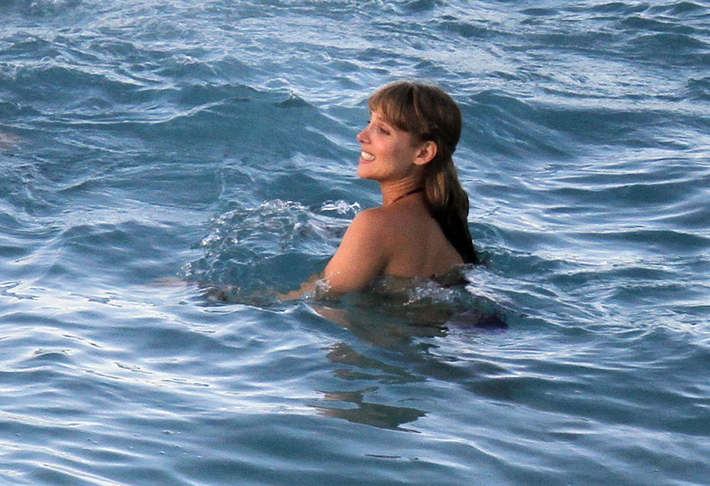 Elsa Pataky went swimming in St. Barts