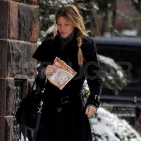 Gisele Bundchen walked in snowy Boston.