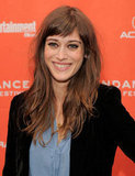 Lizzy Caplan smiled on the red carpet.