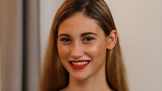 Learn the Tricks to Wearing and Applying Bold Lip Colour