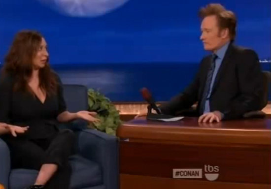 "Video: Maya Rudolph Likens Meeting Brad and Angelina to ""Getting Eaten by a Bear"""