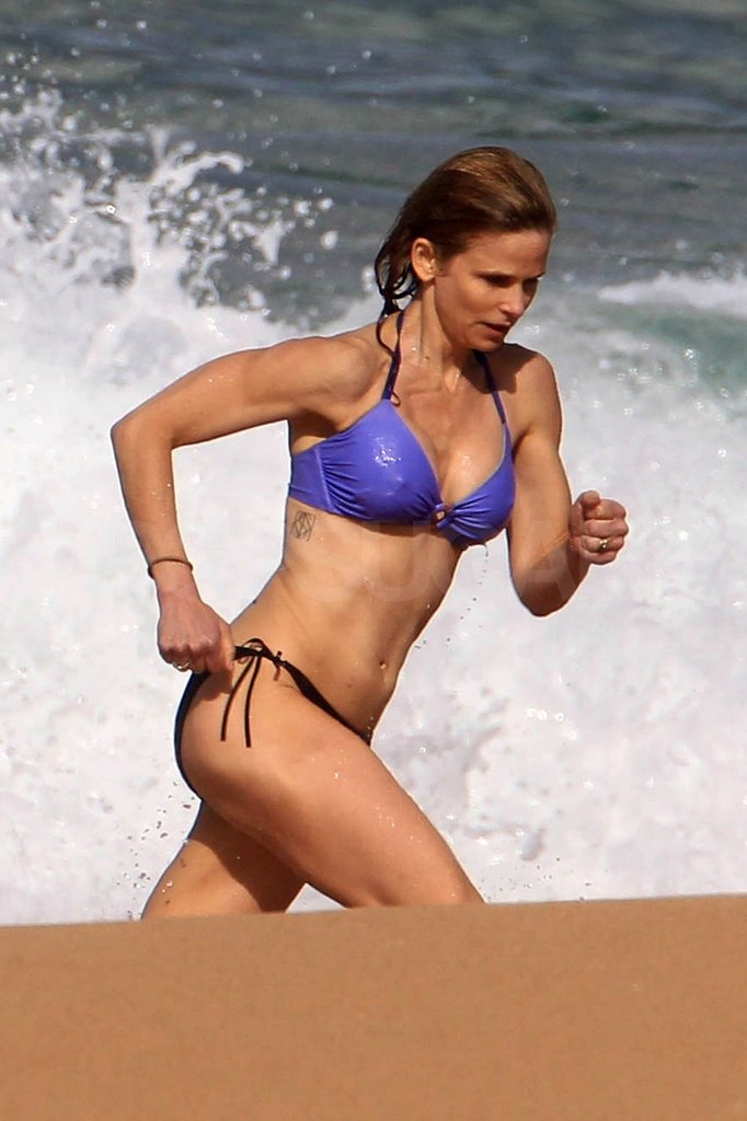 Kyra's sculpted abs were on display in Kauai.