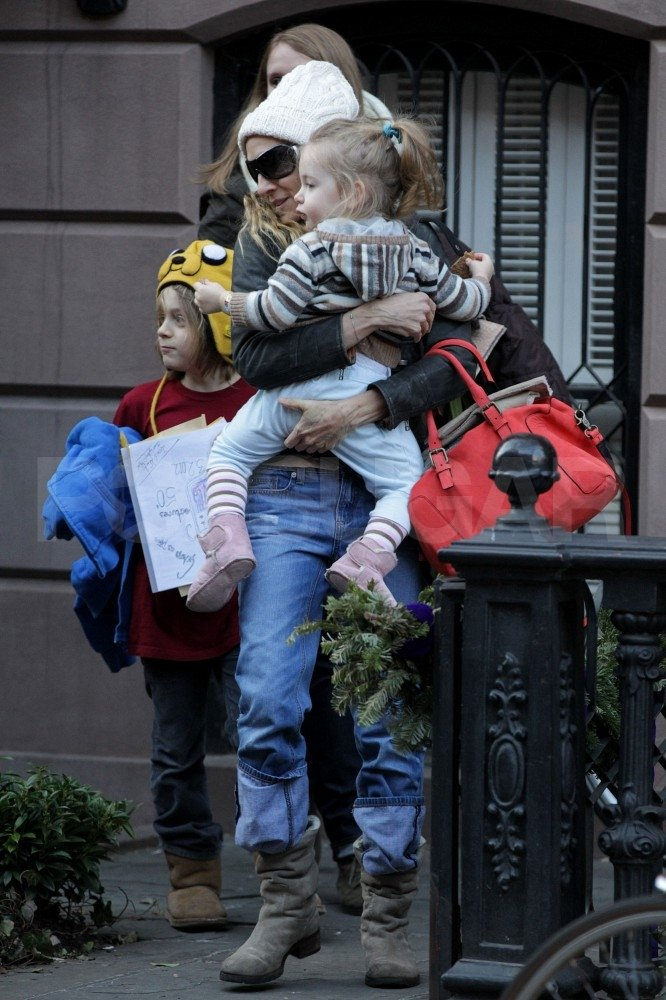 Sarah Jessica Parker, daughter Loretta Broderick, and son James Wilkie Broderick left their NYC home.