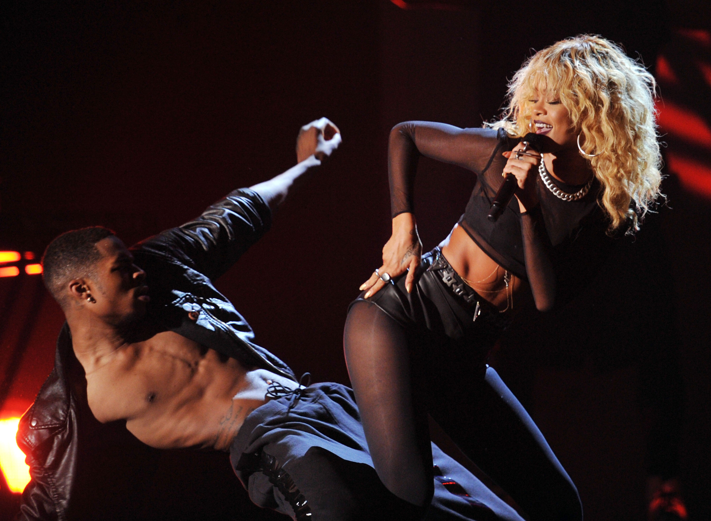 Rihanna got wild on stage.