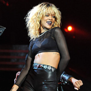 Rihanna and Coldplay Grammy Performance Pictures 2012
