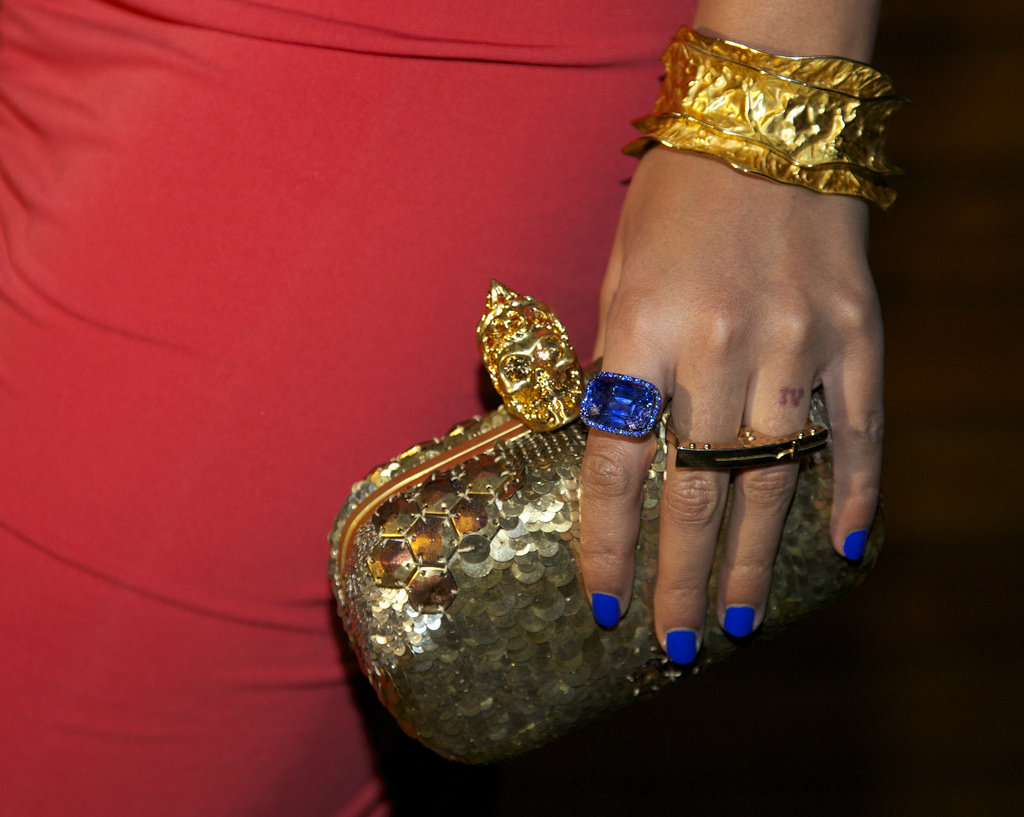 Beyoncé Reveals Hot Postbaby Body in Tight Dress One Month After Blue's Birth!