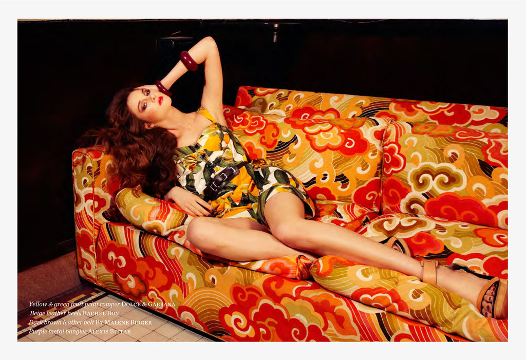 Drew position Shailene on a retro couch.