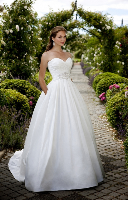 Beautiful These Dresses For Bride 73