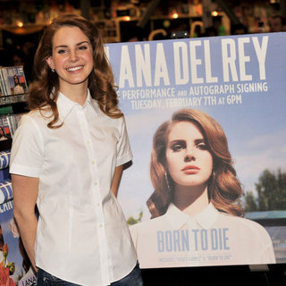 A Few Fun Facts on Singer Lana Del Rey: What You Need to Know