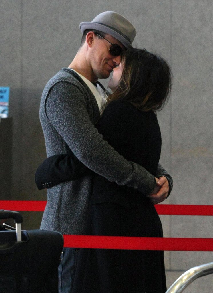 Channing Tatum kissing Jenna Dewan.