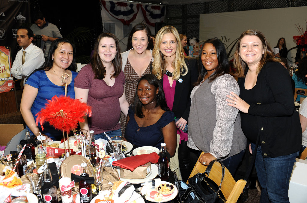 Sarah Michelle Gellar chatted up the women at the Riviera Country Club.