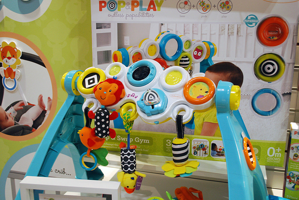 Infantino Pop and Swap Gym
