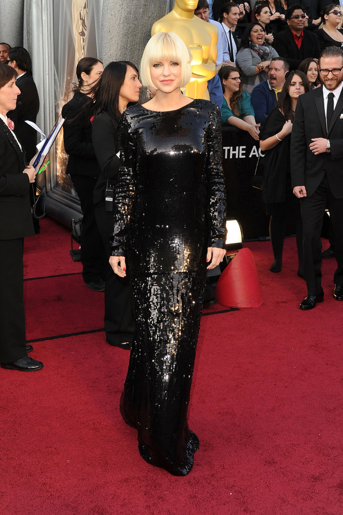 Anna Faris wore black sequins on the red carpet.