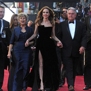 Angelina Jolie Brad Pitt Pictures With His Parents at Oscars