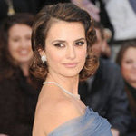 Penelope Cruz Armani Dress Pictures at 2012 Oscars