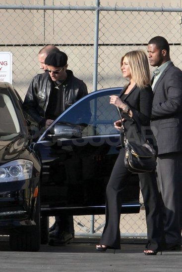 Jennifer Aniston Tags Along to Watch Justin Theroux Swing by Jimmy Kimmel