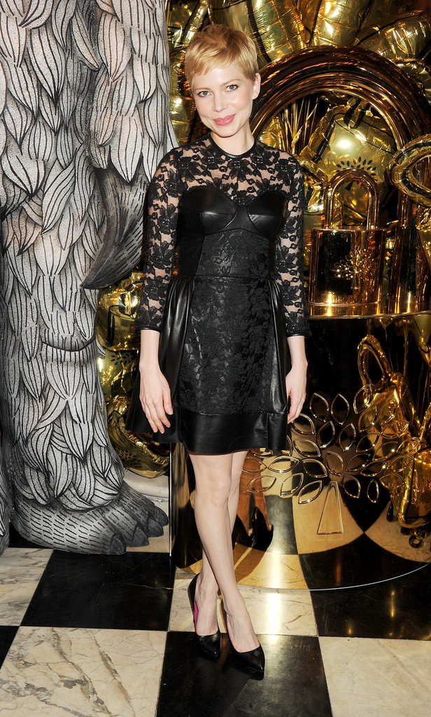 Michelle Williams wore a black lace Mulberry dress to the Mulberry dinner.